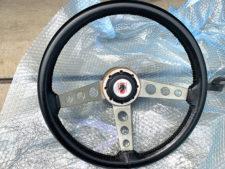 フォードマスタング純正ステアリングの写真