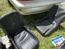 コブラバケットシート2脚の写真