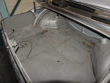BMW2002tii|トランクルームの写真