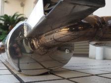 マフラー|車体取り付けステーの溶接ビード様子の写真