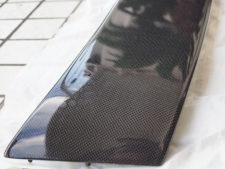 スポイラー|車体との取り合い部付近表面の様子の写真