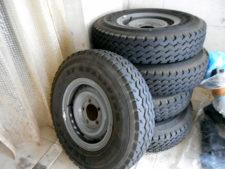 現行型ランクル70|純正タイヤ&ホイールの写真