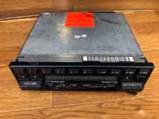 R107 SL 純正オーディオの写真