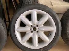 BMWミニ|17インチタイヤ2本の写真