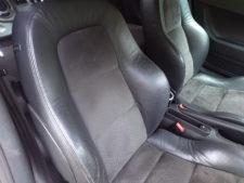 運転席シートバックの写真