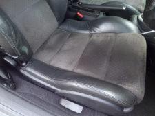 運転席シート座面の写真