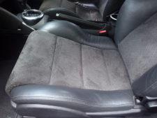 助手席シート座面の写真