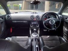 運転席・助手席の写真