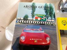 アバルト|ガイドブックの写真
