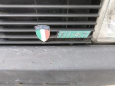 車体|Fiat ロゴバッジの写真
