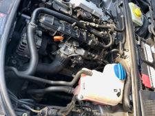 エンジン左側の写真