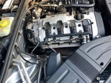 エンジン右側の写真