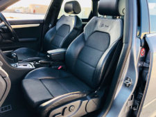 フロントシート助手席の写真