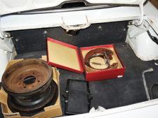 トランクルーム、リヤドラムブレーキの写真