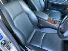 運転席シートの写真